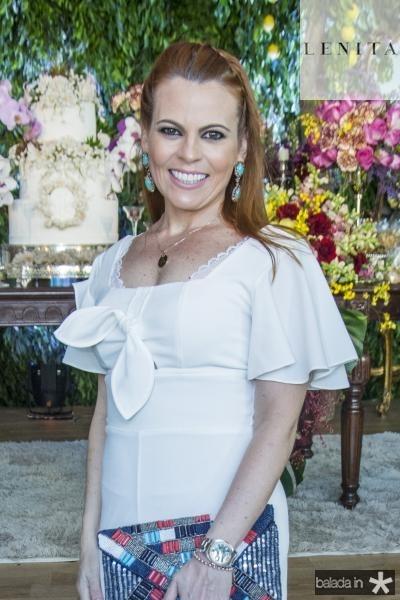 Adriana Praxedes