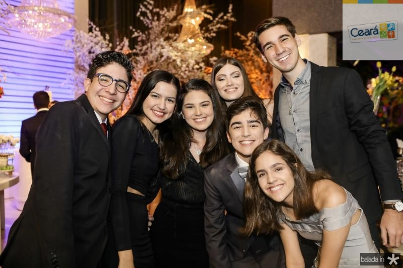 Vitor Leitao, Sophia Santana, Beatrice Vasconcelos, Beatriz Briante, Miguel Otoch, Thiago Siqueira e Leticia Libore