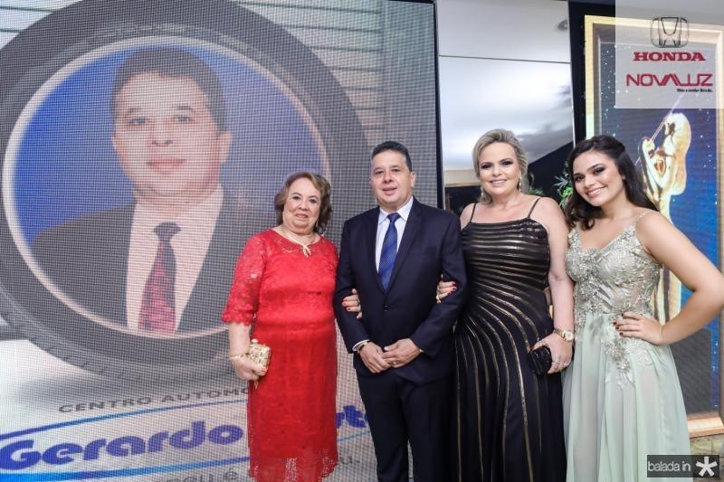 Mirian, Gerardo Filho, Daniela e Isabella Bastos