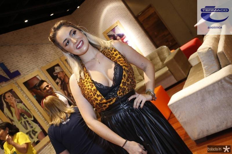 Larissa Almeida 2