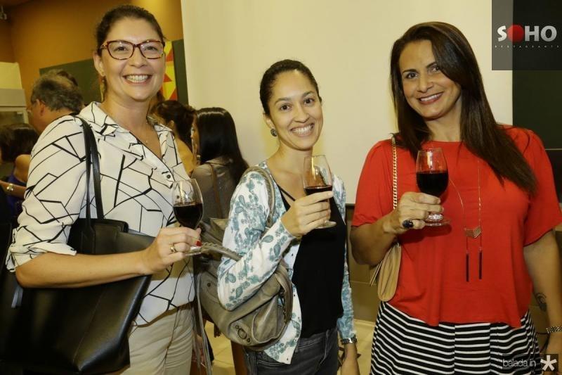 Andrea Almeida, Fabricia Feijao e Meire Queiroz