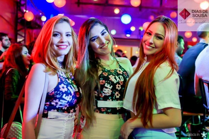 Amalia Ferreira, Anne Teixeira e Sara Demis
