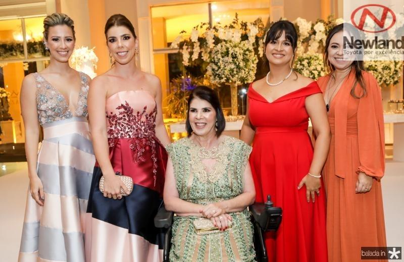 Laura, Milena e Zaquia Sleiman, Iza Gurgel e Sheila Takaki