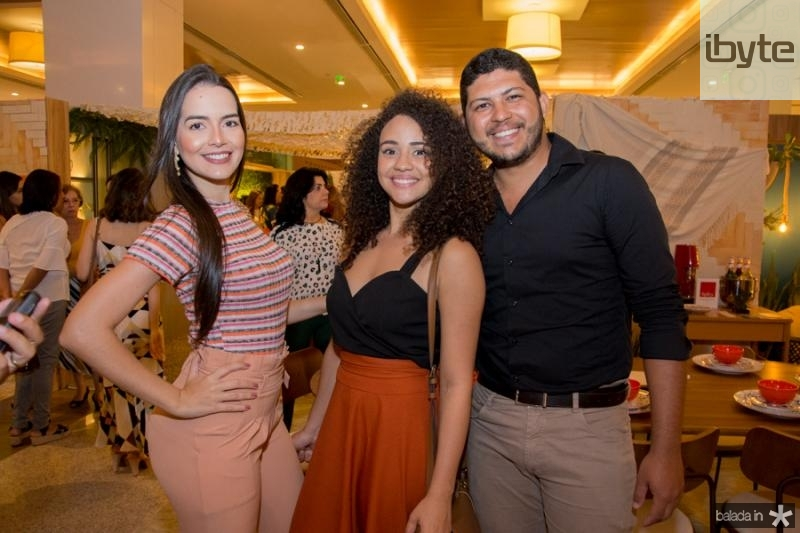 Anastacia Albuquerque, Estefani de Oliveira e Avila Junior