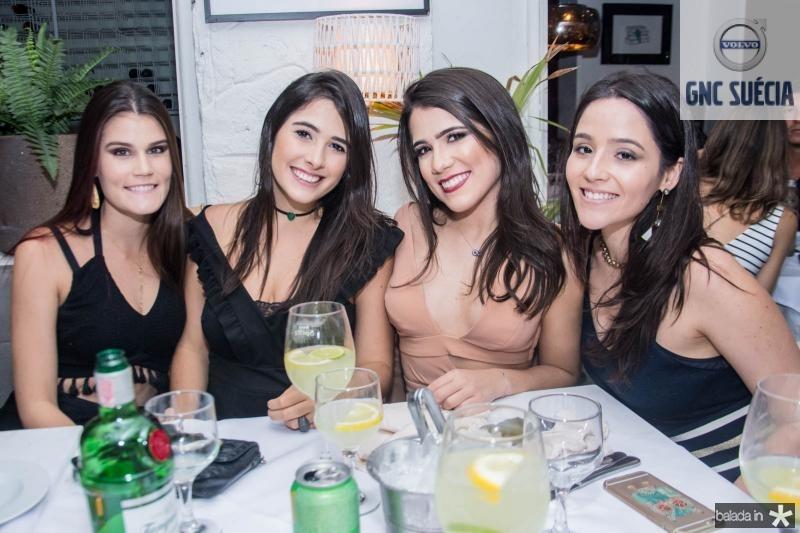 Beatriz Macedo, Lara Ximenes, Vitoria Macedo e Lara Rego
