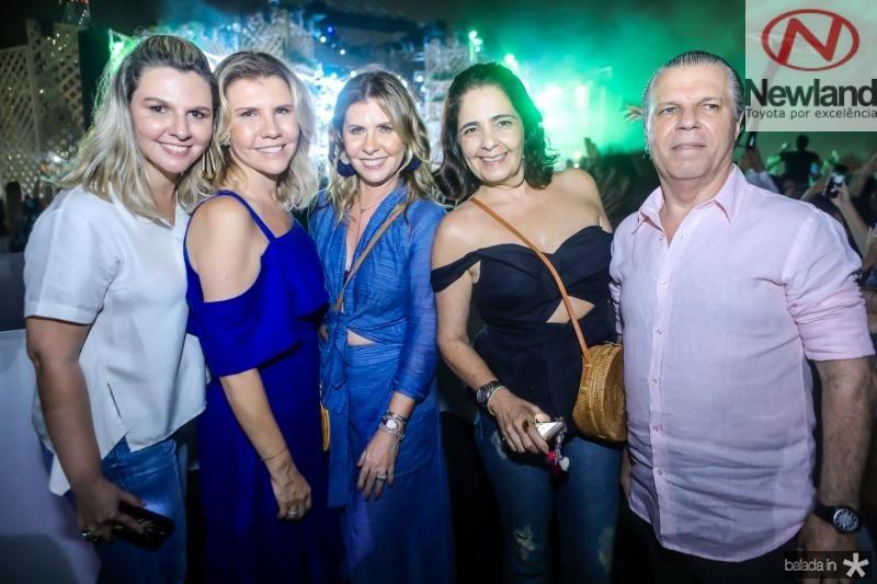 Alexia e Georgea Fontes, Alessandra Arrais, Giana e Claudio Studart