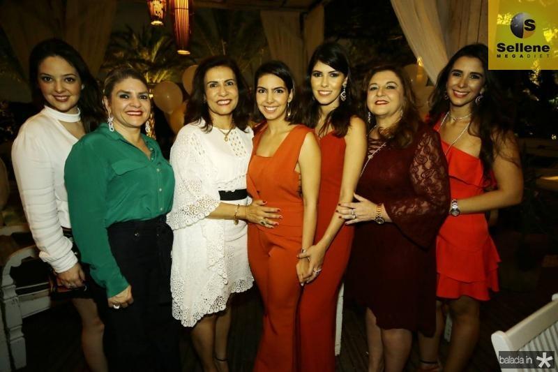 Lara Teixeira, Eliana Garcia, Marcia Teixeira, Carla Laprovitera, Flavia e Jaqueline Simoes e Vivian Barbosa