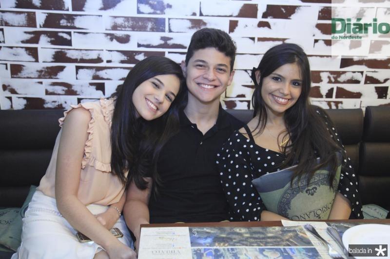 Beatrice Vasconcelos, Marcio Almeida e Ana Louise Chaves