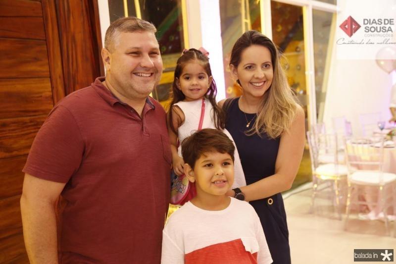 Carlos Henrique, Luis Henrique, Maria Luiza e Aline Veras 2