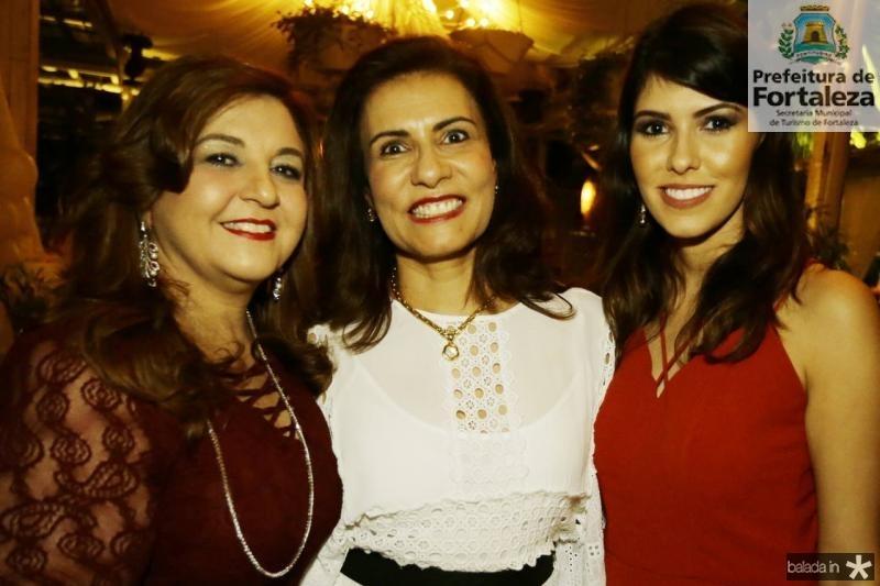 Jaqueline Simoes, Marcia Teixeira e Flavia Simoes