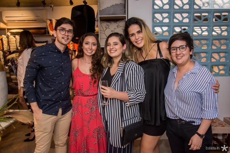 Narcisio Queiroz, Marilia Cidrao, Nina Nobrega e Natalia Teixeira e Azuhli