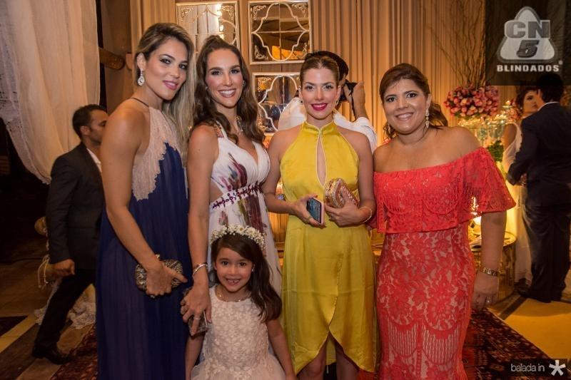 Maria Isabel Cabral, Marcela Carvalho, Olivia Carvalho, Ana Claudia Macedo e Gisela Vieira