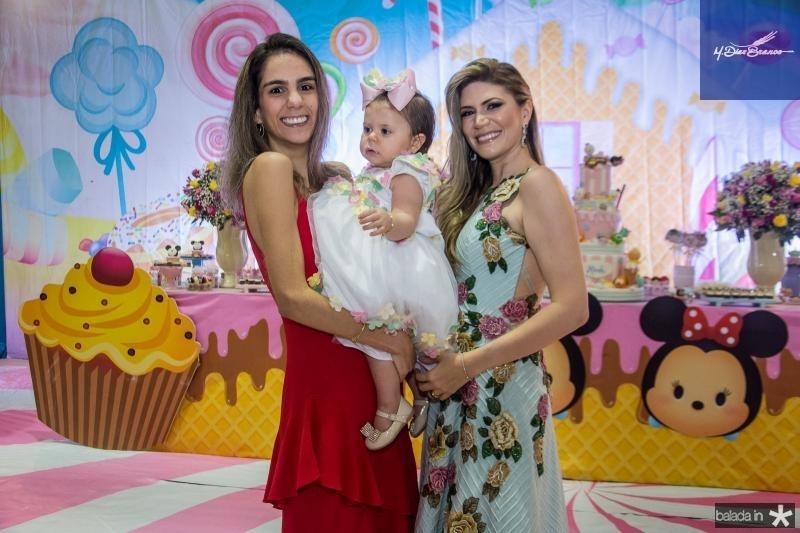 Vanessa Oliveira, Mirela Aragao Oliveira e Elaine Aragao