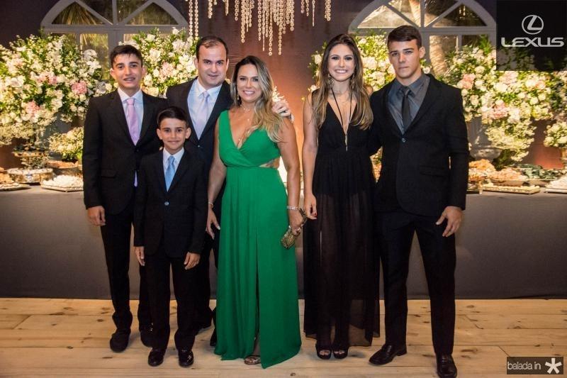 Guilherme Pinheiro, João Rodrigo Pinheiro, Irapuan Pinheiro, Carolina Carvalho, Leticia Mosca e Ricardo Jose