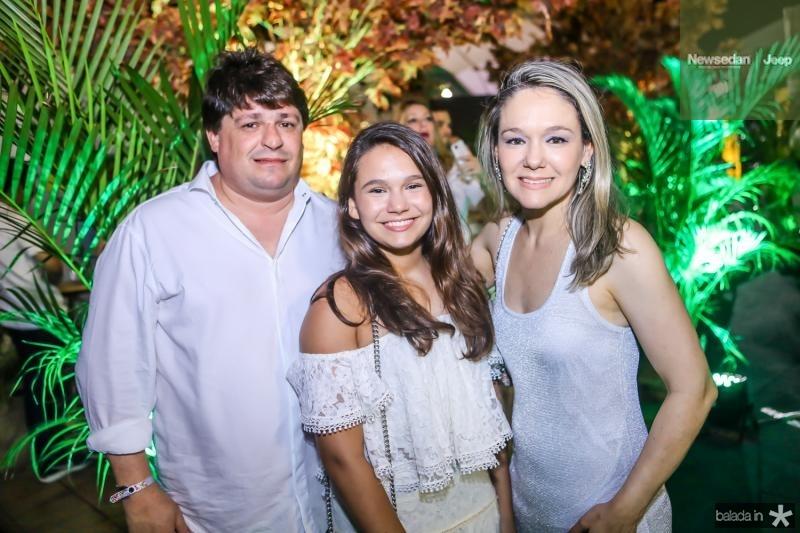 George, Eduarda e Erica Lima