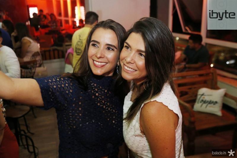 Vivian Barbosa e Roberta Costa