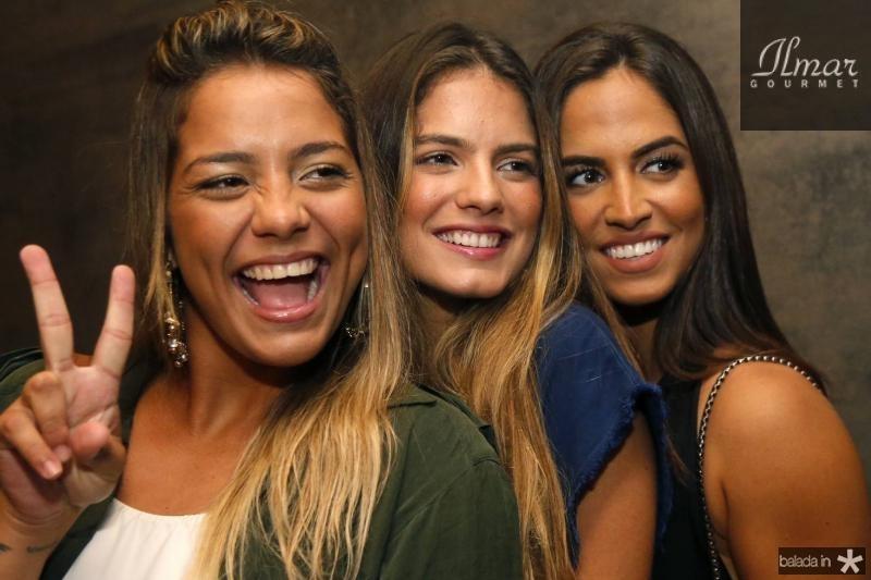 Daniele Alves, Carol Gomes e Elisa Santiago 2