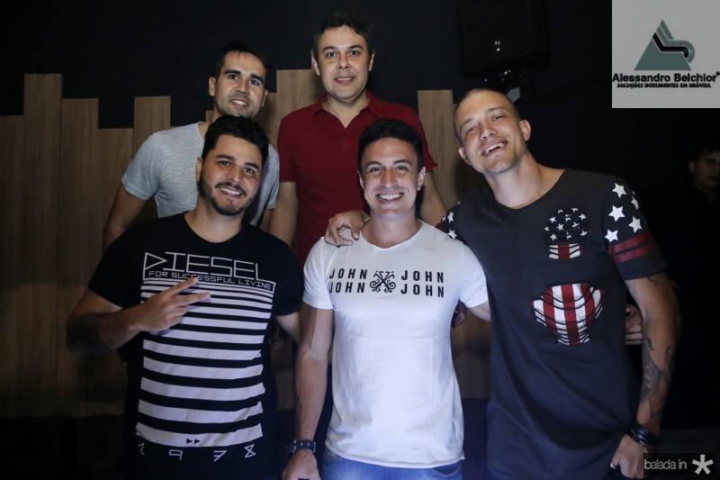 Lucas Pearce, Gustavo Cruz, Rodrigo Duzi, Flavinho e DJ Shark