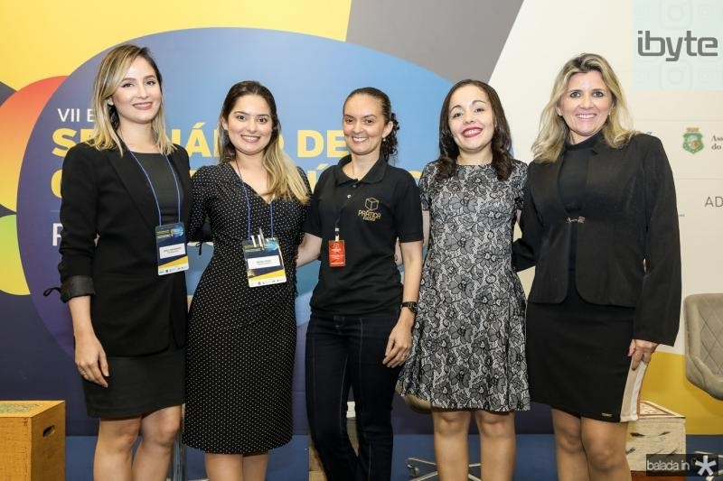 Carol Albuquerque, Rayra Costa, Cristina Oliveira, Carol Macedo e Elisangela Colares