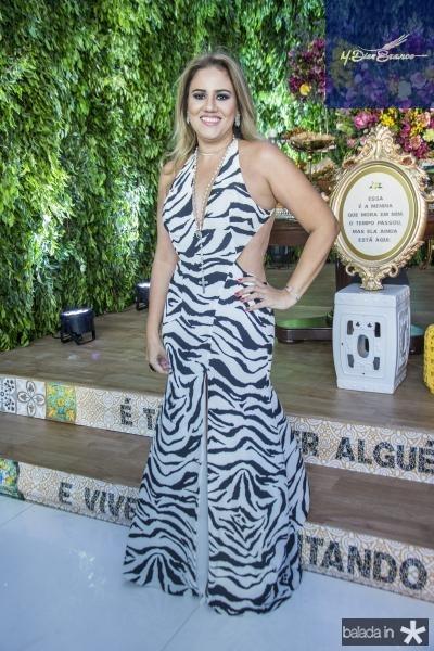 Adriana Lira