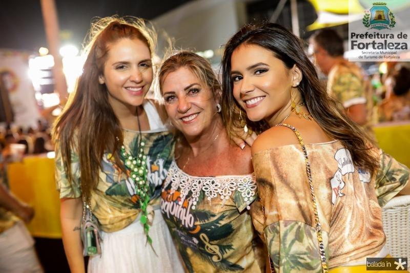 Vanessa Custodio, Regina Brandao e Yslla Guerra