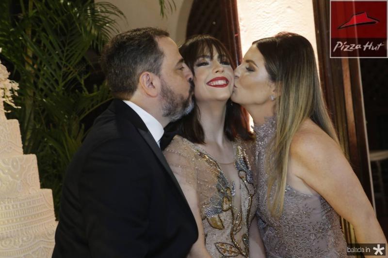 Paulo, Lissa e Larissa Moura 2