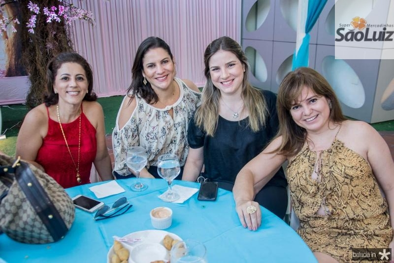 Monica Mello, Luciana Borges, Maria Clara Dalolio e Ana Claudia Aguiar
