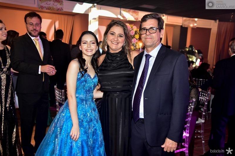 Julia, Carolina e Alexandre Fernandes