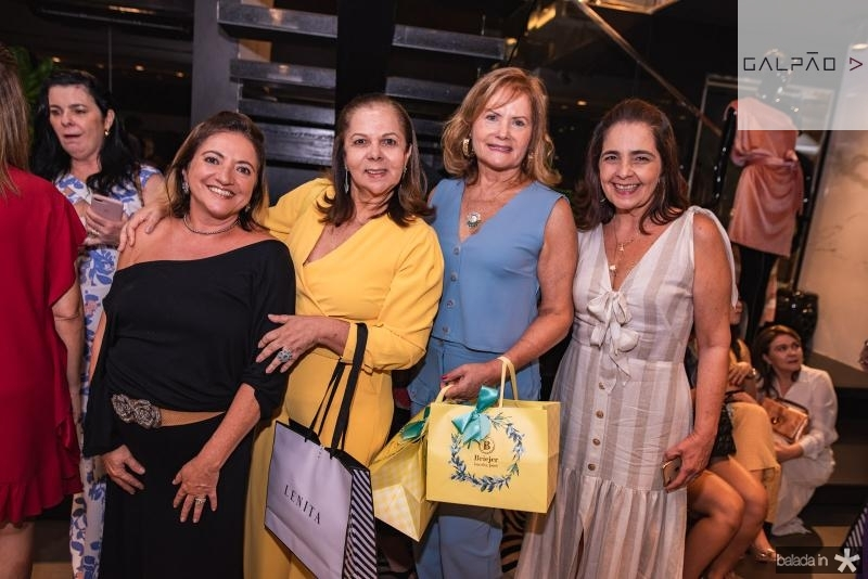 Tete Albuquerque, Fernanda Laprovitera, Ana kert e Giana Studart