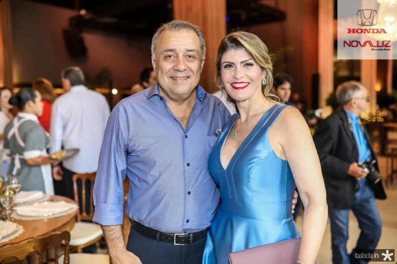 Adauto Junior e Gisele Bezerra