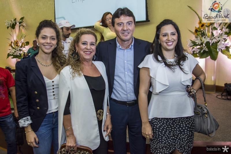 Gabriela Carvalho, Bricia Teixeira, Luiz Teixeira e Maira Carvalho