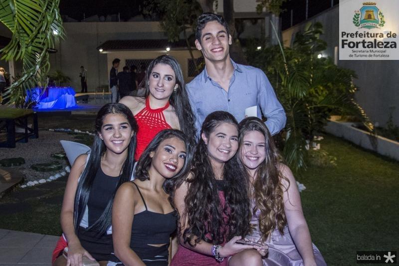 Beatriz Bezzato, Isabela Pontes, Lara Costa, Larissa Fialho, Ana Luiza e Ronaldo Neiva