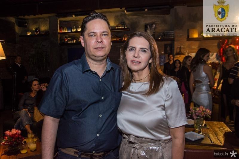 Marcos Maia e Carla Melo