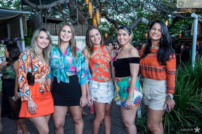 Rebeca Linhares, Vera Lopes, Alina Amaral, Mariana Aguiar e Carol Veras