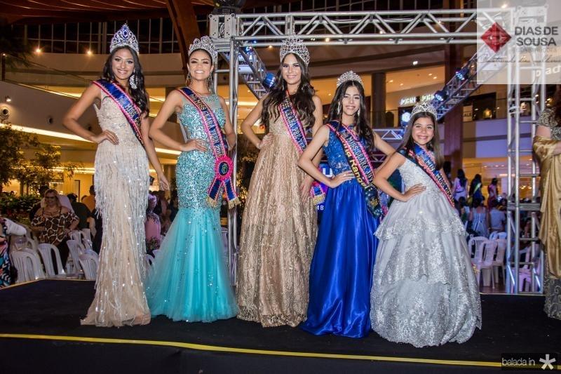 Larissa Damasceno, Isabelle Rodrigues, Barbara Prado, Marina Rangel e Giovanna Aguiar