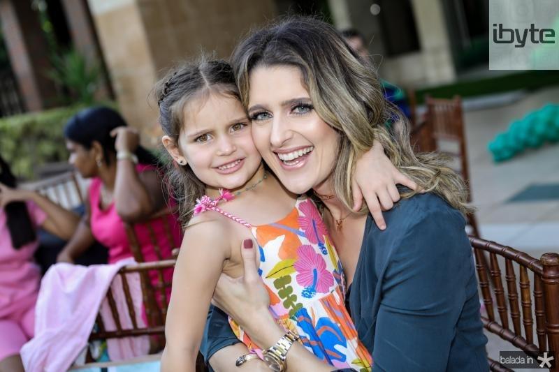 Athina e Rebeca Leal