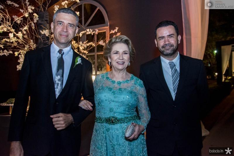 Adriano, Clara Lucia e Aldemo Pontes