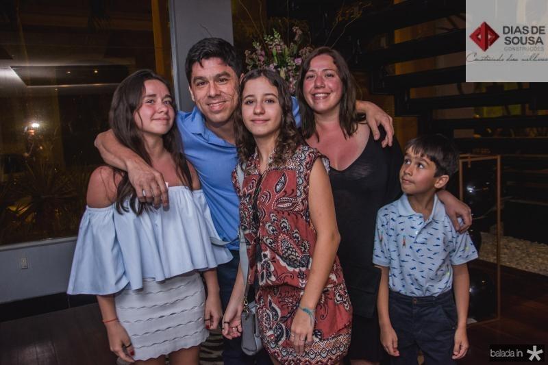 Nina Tavora, Marcio Tavora, Pietra Bezerra, Marina Tavora e Joaquim Tavora