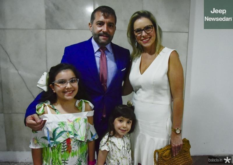 Andre, Sandra, Livia e Lara Campos