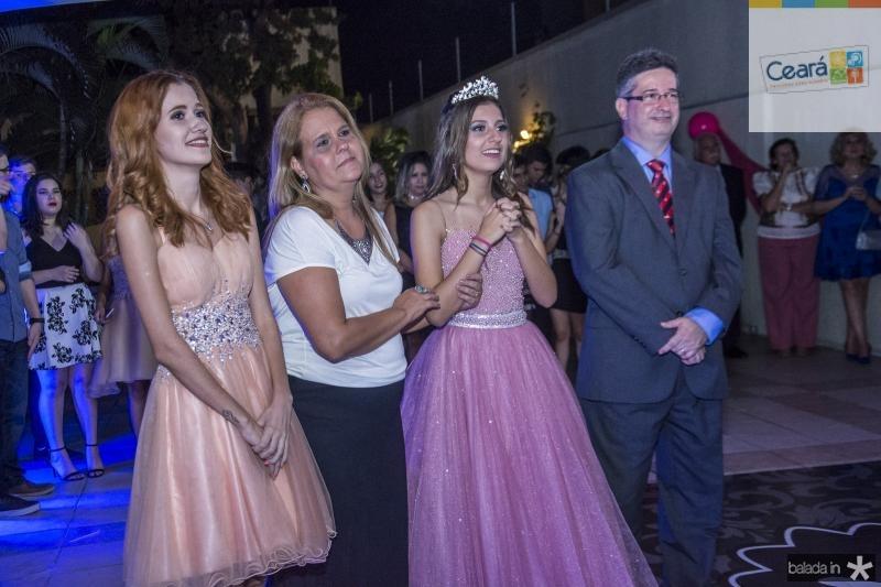 Raphaella, Yara, Mirella e Leonardo Salema