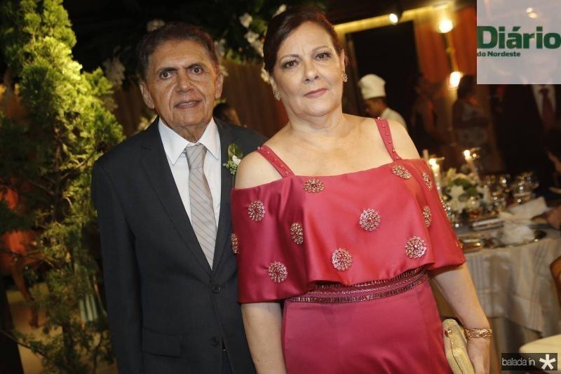 Assis e Helena Cruz