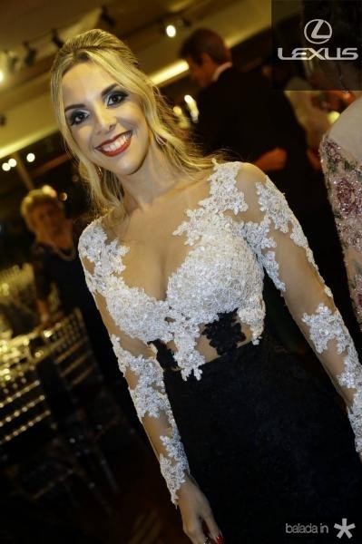 Camila Lobo