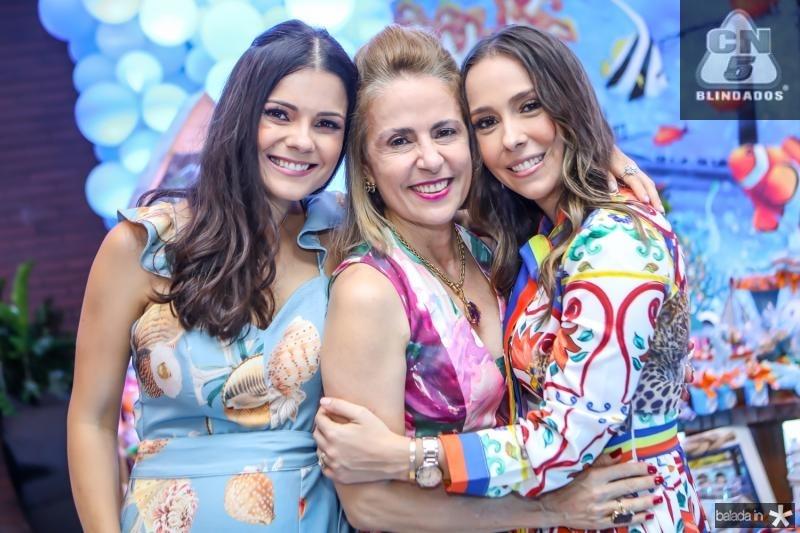 Priscila, Tereza e Rafaela Ximenes