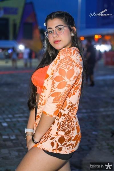 Larissa Cabral