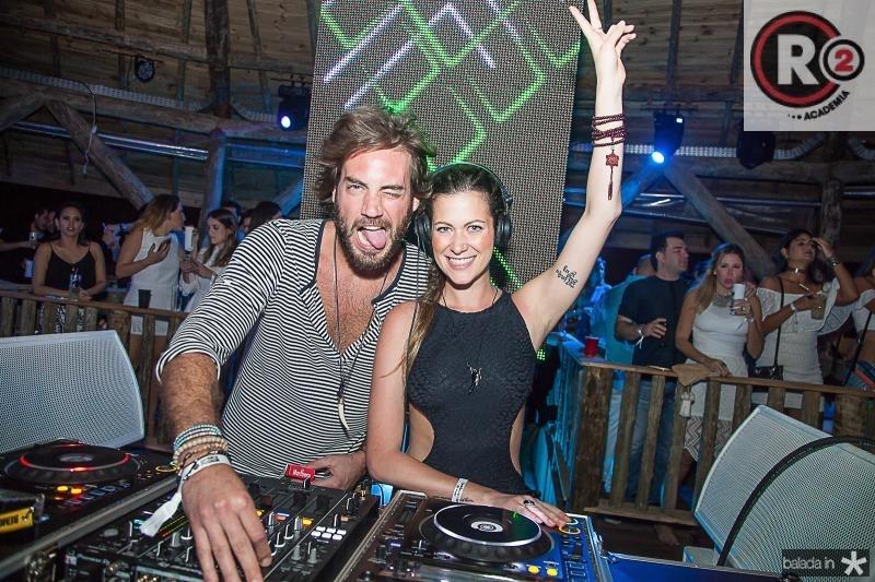 DJ Mario Veloso e DJ Pietra Bertolazzi