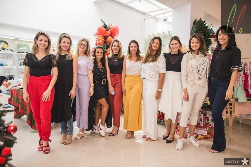 Lia Bastos, Raquel Macedo, Carol Ciarlini, Manu Cysne, Denise Pio, Tarssia Dantas, Daniele Barreira, Marilia Diogenes, Natalie Lima e Beatriz Moura