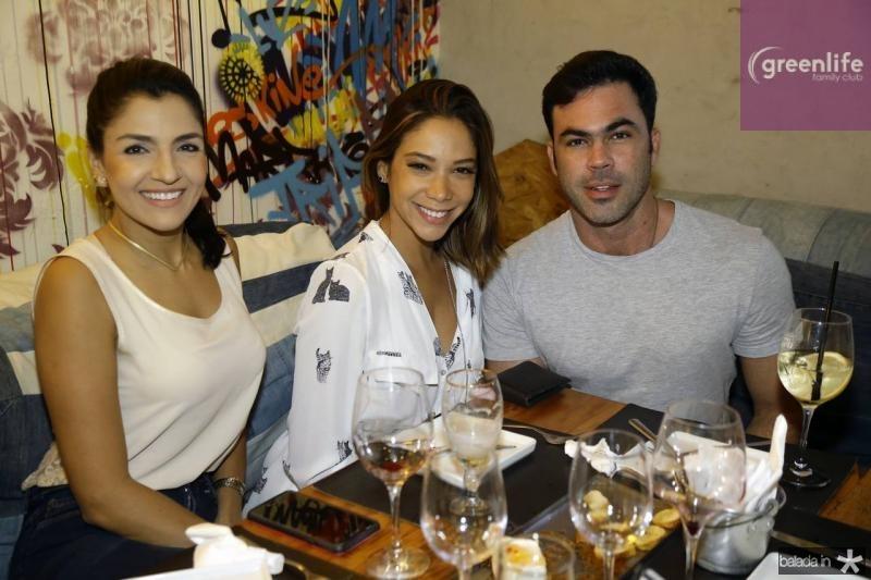Michelle Barros de Oliveira, Priscilla Afio e Cesinha Fiuza