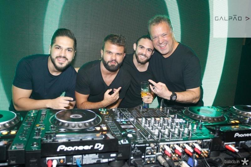 DJs Savio Machado, Andre Guerreiro, Gabriel Albu e Rodrigo Vieira 2