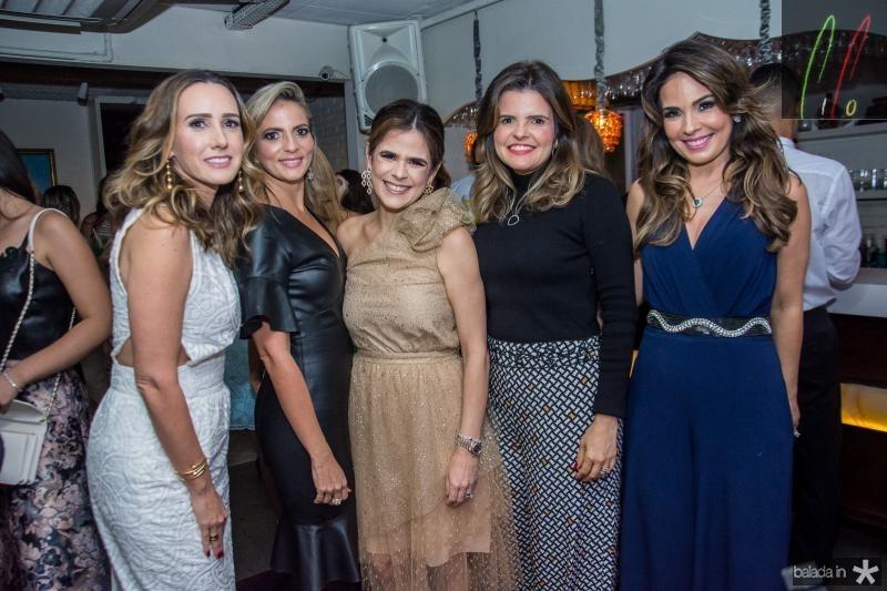 Roberta Nogueira, Michele Aragao, Niedja Bezerra, Cristine Feitosa e Eveline Fujita