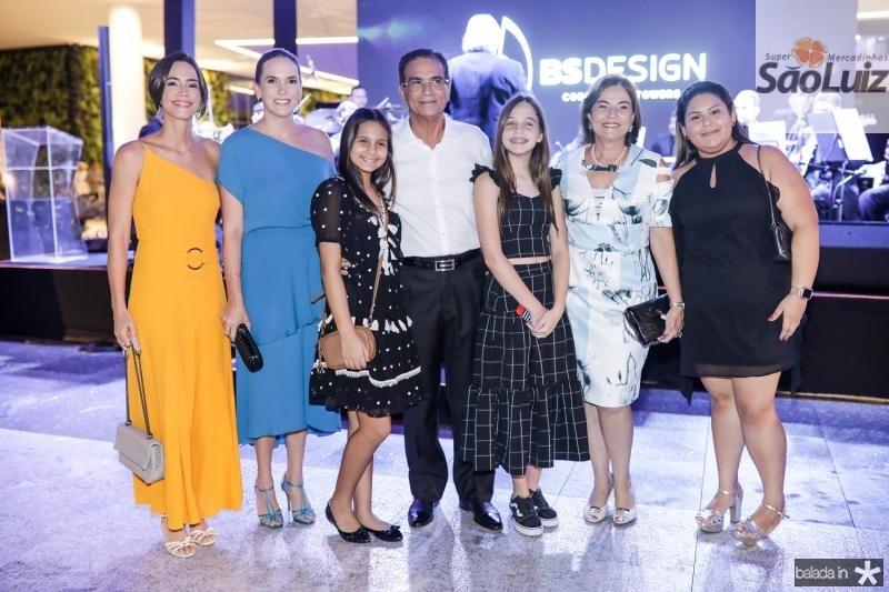 Karine Studart, Renata Santos, Geovana, Beto, Rebecca e Ana Studart, Beatriz Mesquita
